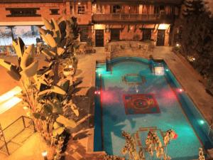 Mandala Pool